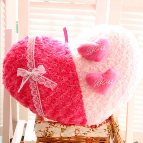 Gối ôm trái tim tình yêu 3D