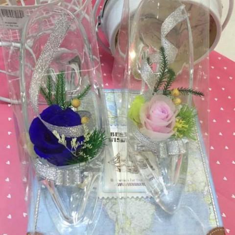 Hoa hồng bất tử - Giày thủy tinh