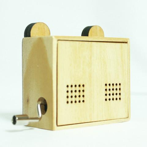 Hộp nhạc gỗ quay tay Hoạt Hình