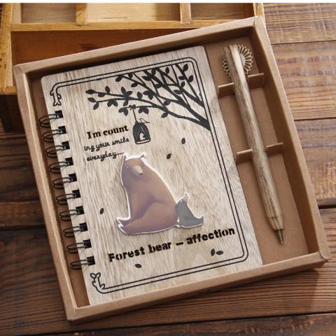 Set Sổ bìa gỗ hình gấu kèm bút