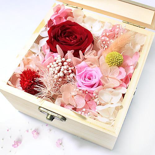 hoa hồng bất tử hộp gỗ vuông hồng đỏ